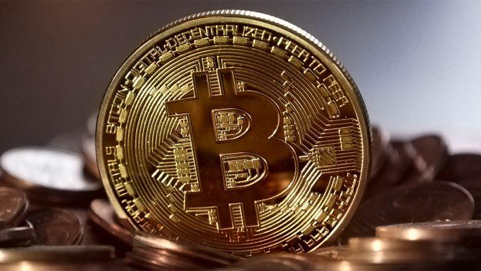 Bitcoin-reuse-pixabay-cc0-696×392